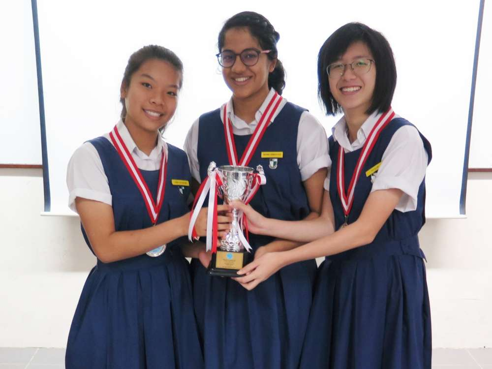 YEAR 14 AIR RACE RESULT - Raffles Girls' School